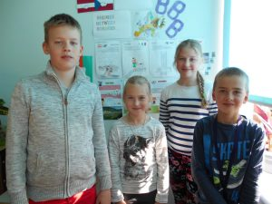 Prahasse sõitvad õpilased